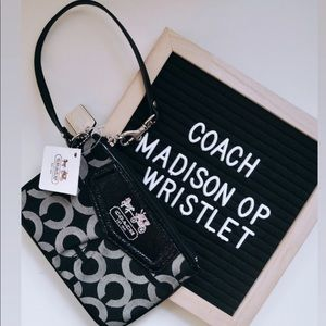 NWT Coach Madison Op Art Wristlet